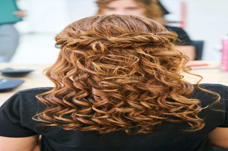 wedge haircut for curly hairs