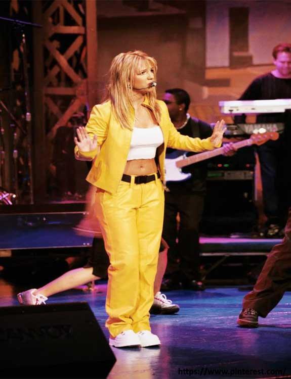 Britney Spears - college halloween Costumes