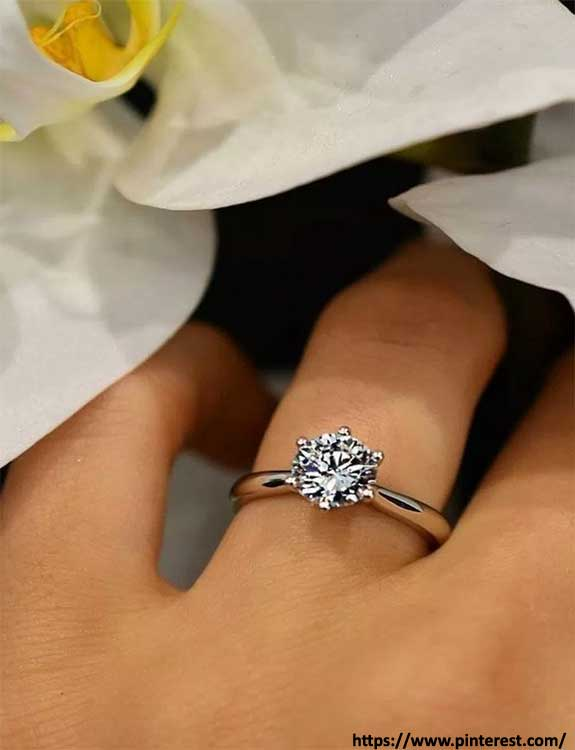 Classic Solitaire types of rings