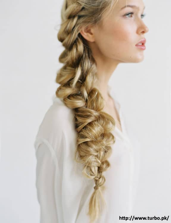 Frozen-Elsas-Messy-Braid - Easy Hairstyles for School
