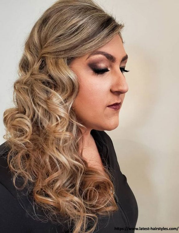 A-line with Loose Curls hairstyles for plus size women