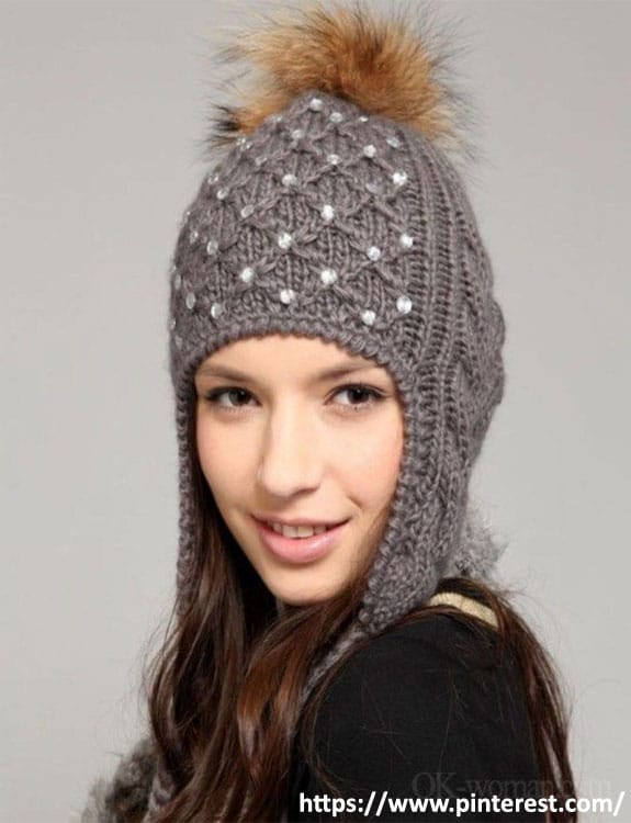 Bobble Hat- what-to-wear-in-50-degree-weather