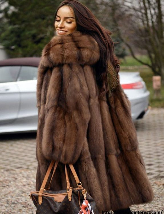 Fur Coat- what-to-wear-in-50-degree-weather