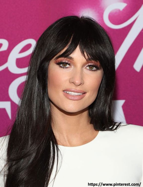 Glam Hairstyle with Curtain Bangs