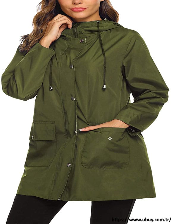 Raincoat- what-to-wear-in-50-degree-weather