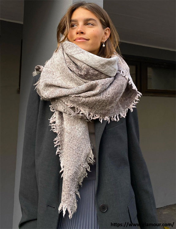 Scarves- what-to-wear-in-50-degree-weather